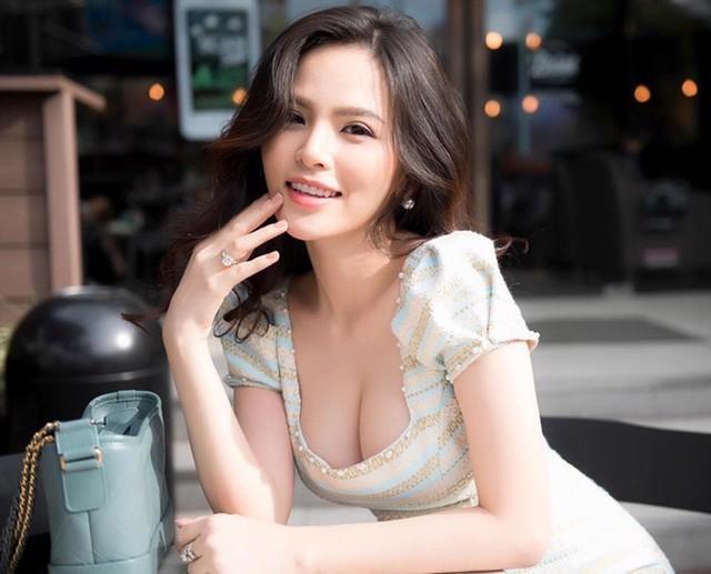 Hot girl Mỳ Gõ một thời khoe nhan sắc ấn tượng, vòng một siêu đẹp khiến nhiều người cảm thán - Ảnh 1.