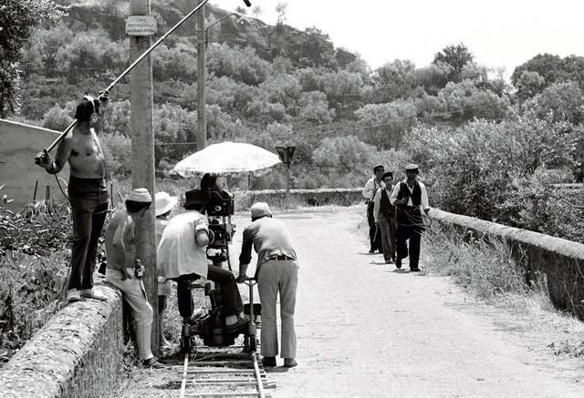 Muốn cày phim lần nữa khi nhìn lại hình ảnh hậu trường phim Bố Già (1972), đúng là đỉnh của chóp - Ảnh 10.