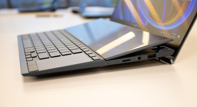 Cận cảnh ZenBook Duo 14 2021 - Laptop hai màn hình dành cho tương lai - Ảnh 5.
