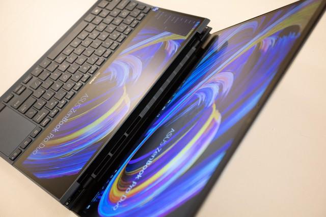 Cận cảnh ZenBook Duo 14 2021 - Laptop hai màn hình dành cho tương lai - Ảnh 7.