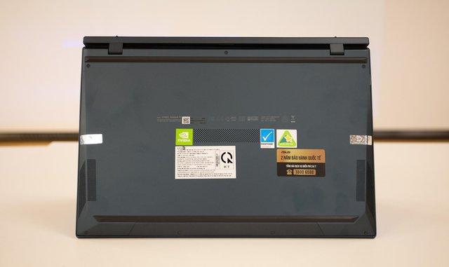Cận cảnh ZenBook Duo 14 2021 - Laptop hai màn hình dành cho tương lai - Ảnh 8.