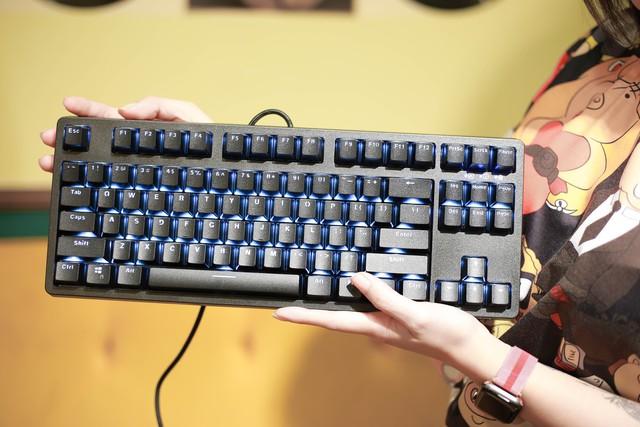 E-Dra EK387: Bàn phím gaming giá ngon, trang bị switch cao cấp bấm siêu sướng - Ảnh 1.