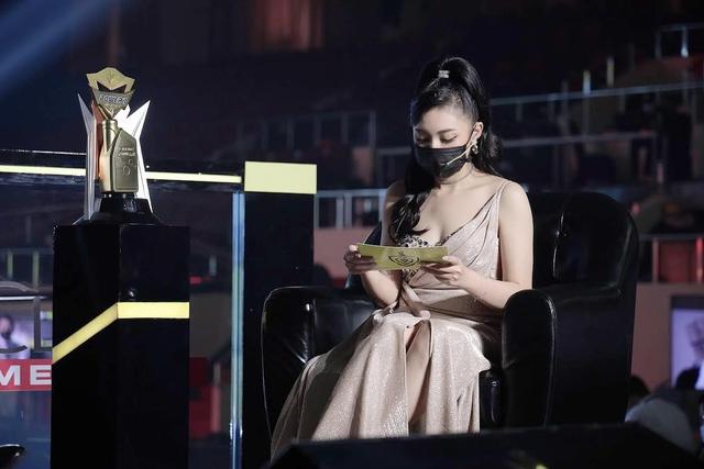 """Xuất thần chẳng kém diễn viên Hàn Quốc, fan nguyện được """"tan chảy"""" vì nữ MC xinh đẹp này - Ảnh 7."""