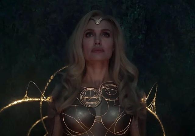 Eternals: CĐM hết lời khen ngợi visual quá đỉnh của Angelina Jolie khi vào vai nữ chiến binh Thena - Ảnh 2.