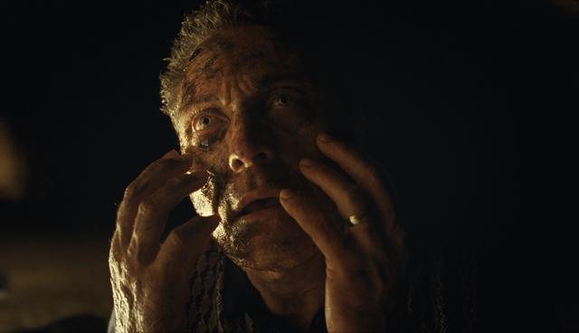 """Đạo diễn """"The Sixth Sense"""" gây bất ngờ với phim kinh dị mới về đề tài thời gian - Ảnh 5."""