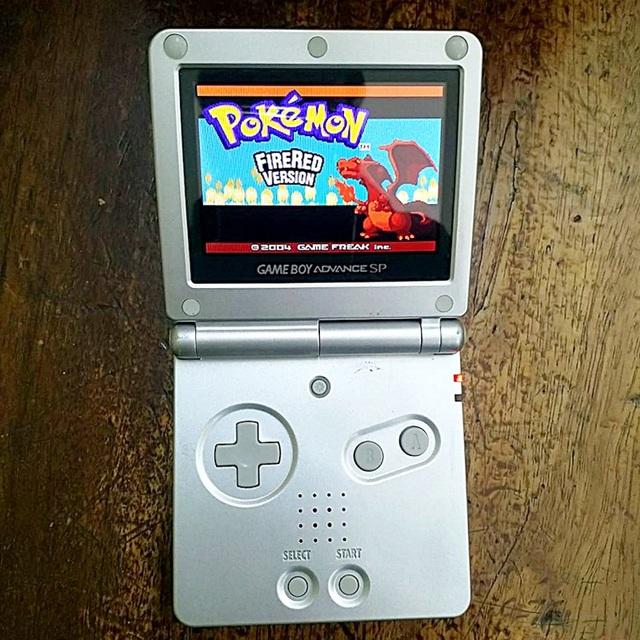 Gameboy, PSP và những máy chơi game cổ lỗ sĩ nhưng từng một thời là mơ ước của biết bao game thủ - Ảnh 1.