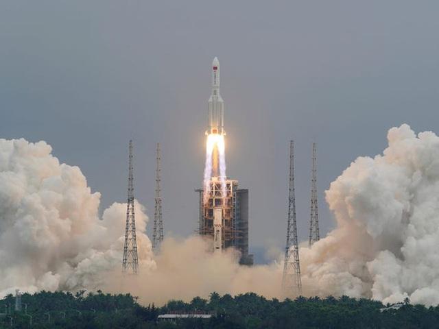Phần lõi tên lửa nặng 21 tấn của Trung Quốc đang mất kiểm soát, có thể rơi xuống Trái Đất bất cứ lúc nào - Ảnh 2.