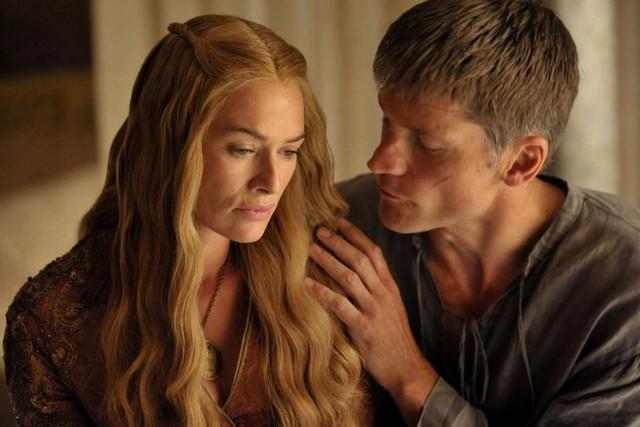 Top 10 mối quan hệ độc hại trên phim ảnh, xem mà không khỏi rùng mình vì cái gọi là tình yêu - Ảnh 2.