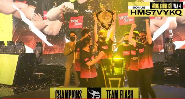 ProE gáy mạnh sau trận đấu, Team Flash giành chức vô địch ĐTDV theo một kịch bản không thể tin được - Ảnh 1.