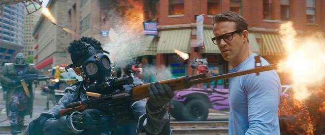 Deadpool Ryan Reynolds tình tứ với đả nữ game trong trailer cháy nổ mới toanh của Free Guy - Ảnh 4.