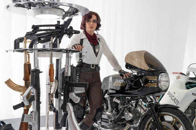 Deadpool Ryan Reynolds tình tứ với đả nữ game trong trailer cháy nổ mới toanh của Free Guy - Ảnh 5.