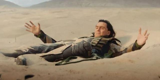 Những easter egg thú vị trong tập đầu tiên của Loki, vừa gợi chuyện quá khứ, vừa úp mở về tương lai MCU - Ảnh 2.
