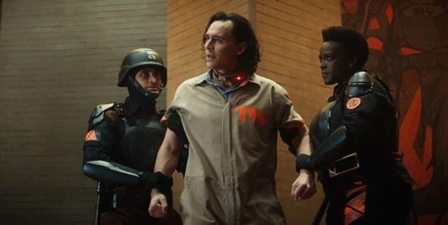 Những easter egg thú vị trong tập đầu tiên của Loki, vừa gợi chuyện quá khứ, vừa úp mở về tương lai MCU - Ảnh 6.