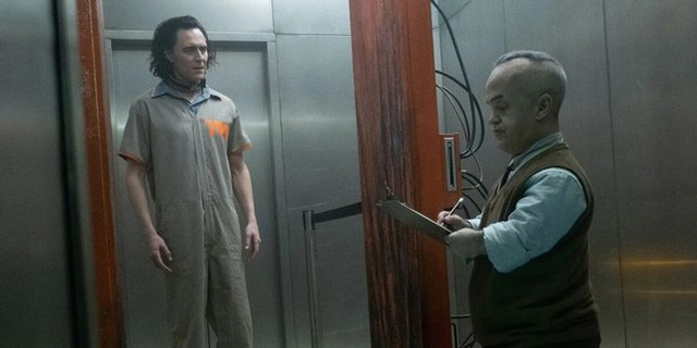 Những easter egg thú vị trong tập đầu tiên của Loki, vừa gợi chuyện quá khứ, vừa úp mở về tương lai MCU - Ảnh 7.