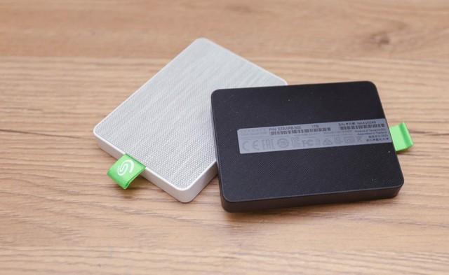 Trầm trồ trước SSD di động Seagate Ultra Touch: Cực đẹp và nhỏ gọn, tốc độ nhanh xé gió - Ảnh 2.