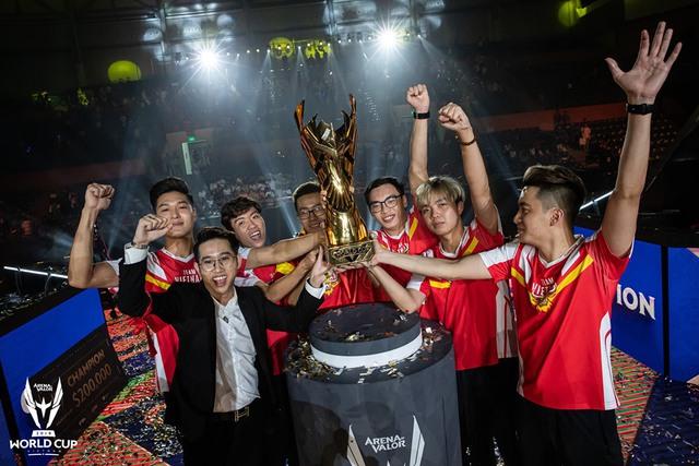 """Sau hai năm, ADC mới tiết lộ chiến thắng của Team Flash tại AWC 2019 có """"bàn tay"""" của kẻ thứ 3 - Ảnh 8."""