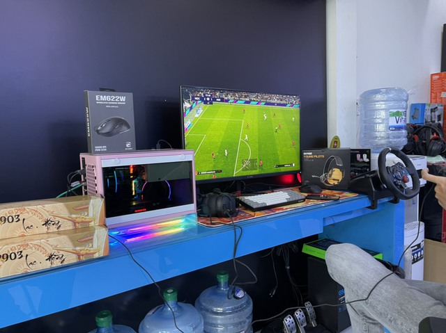E-DRA lần đầu ra mắt màn hình gaming xịn sò, cả Nam - Bắc có 15 game thủ may mắn - Ảnh 2.