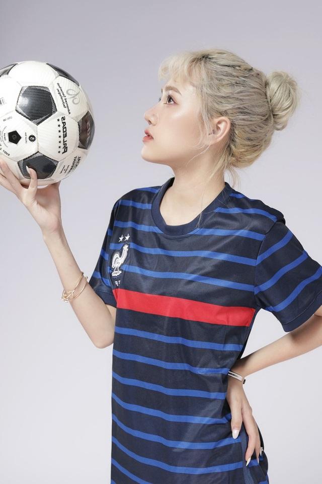 Nhiều lần xuất hiện cạnh chị em streamer Quỳnh Alee và Gấm Kami, nàng hot girl lạ gây chú ý - Ảnh 6.