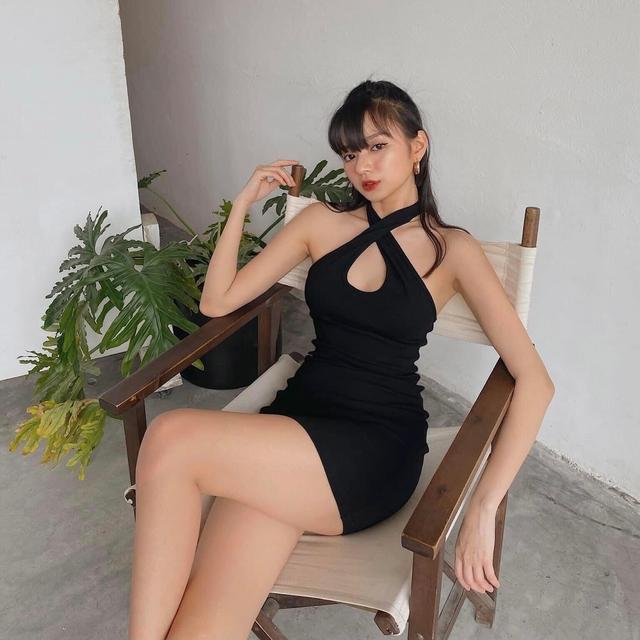 Chấp nhận không mặc áo để quảng cáo sản phẩm, nữ streamer Liên Quân chính thức lập kỷ lục về sự nóng bỏng của mình - Ảnh 10.