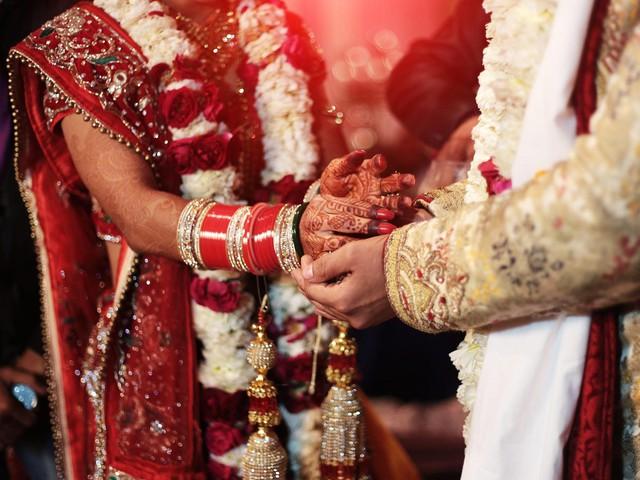 Cô dâu qua đời trong ngày cưới, gia đình chưa kịp chia buồn thì chú rể lập tức cưới luôn em vợ - Ảnh 2.