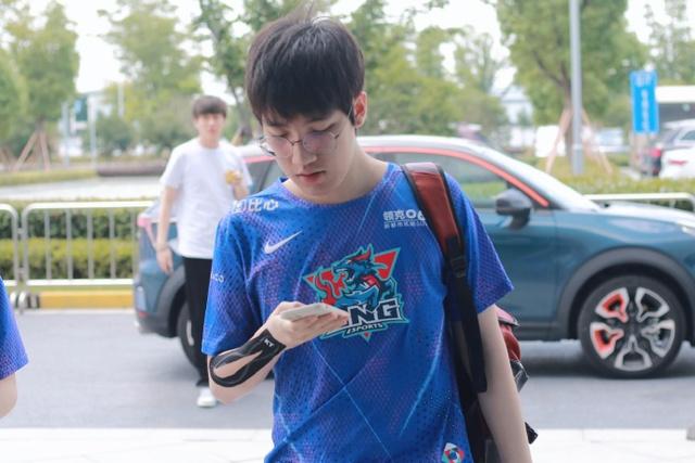 Không hổ là Super Team đầu mùa, LNG Esports lại có dấu hiệu toang: Thua 2 trận liên tiếp sau chuỗi 7 trận bất bại - Ảnh 3.