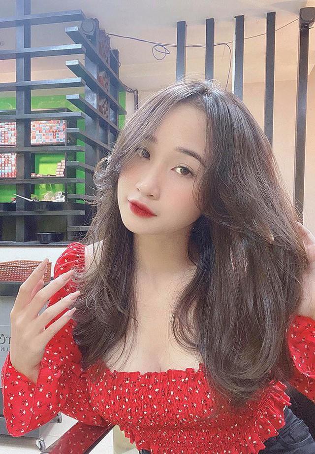 Khoe số đo ba vòng 94-64-96 quyến rũ, cô giáo hot girl Việt khiến cộng đồng mạng đổ xô đi tìm info - Ảnh 3.