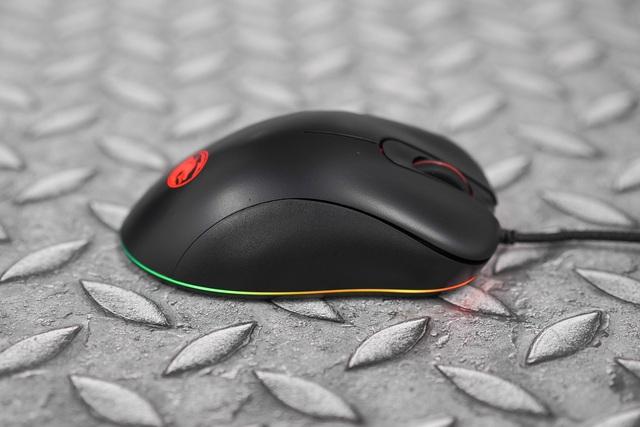 E-DRA EM660 Lite Black: Chuột gaming siêu rẻ, form cầm ôm tay, hiệu năng tốt bất ngờ - Ảnh 4.
