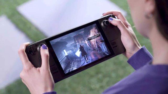 Valve ra mắt máy chơi game Steam Deck với cấu hình cực khủng, giá chỉ 9 triệu đồng - Ảnh 1.