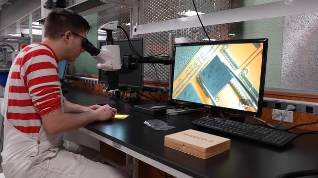 YouTuber chế pin hạt nhân, dùng năng lượng của Tritium để chơi điện tử - Ảnh 5.