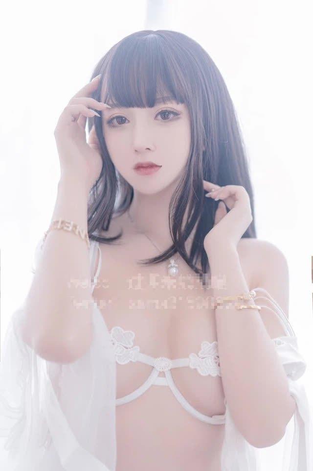 Nghiện cởi, nữ streamer xinh đẹp cả triệu follow gây sốc khi đổi nghề sang bán ảnh nóng, nội y và đồ chơi 18+ - Ảnh 8.