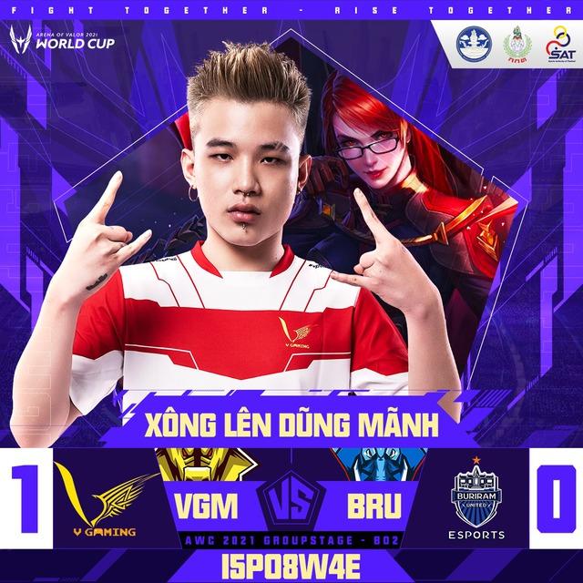 """Được MC tuyệt sắc khen """"đẹp trai"""", tuyển Liên Quân Việt Nam thua ngược Thái Lan dù dẫn trước 2 – 0 - Ảnh 1."""