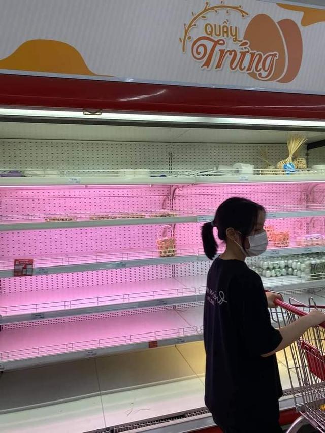"""Bị chỉ trích vì tích trữ đồ ăn giữa mùa dịch, Xoài Non không ngại """"khẩu chiến"""" với anti-fan - Ảnh 1."""