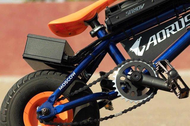 Modder biến xe đạp BMX thành PC Gaming cực khủng, có thể đạp đi chơi khắp nơi - Ảnh 3.