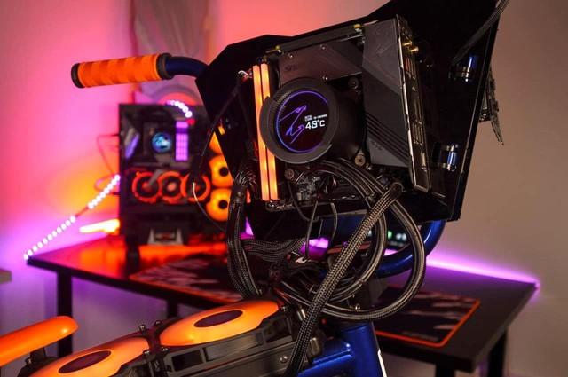 Modder biến xe đạp BMX thành PC Gaming cực khủng, có thể đạp đi chơi khắp nơi - Ảnh 5.
