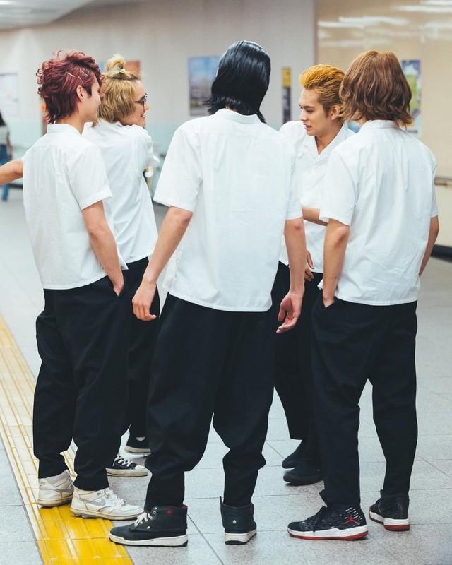 Ngắm loạt ảnh thanh xuân vườn trường trong Tokyo Revengers live-action, cả bầu trời tuổi thơ cứ thế ùa về - Ảnh 18.