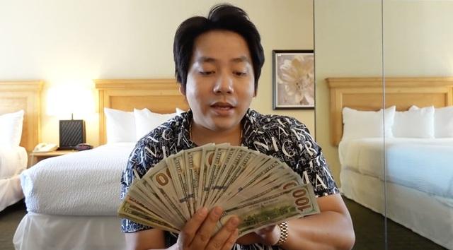 YouTuber giàu nhất Việt Nam dạy người xem cách thoát nghèo, tiết lộ năm lớp 9 đã biết kiếm tiền nhờ chơi VLTK - Ảnh 1.
