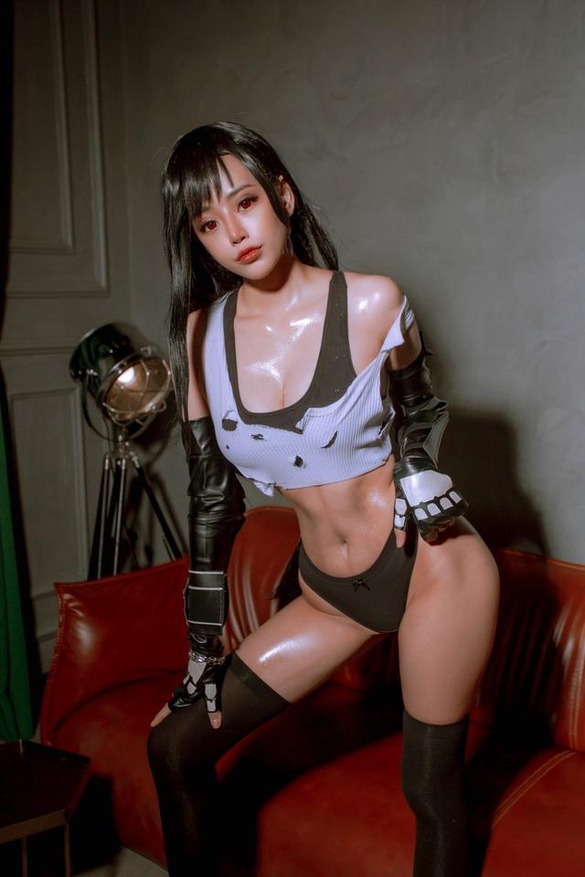 Nóng mắt ngắm loạt ảnh cosplay nàng Tifa trong Final Fantasy với thần thái đầy mời gọi - Ảnh 8.