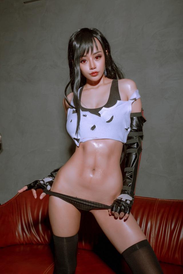 Nóng mắt ngắm loạt ảnh cosplay nàng Tifa trong Final Fantasy với thần thái đầy mời gọi - Ảnh 2.