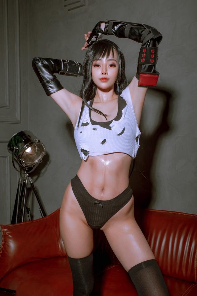 Nóng mắt ngắm loạt ảnh cosplay nàng Tifa trong Final Fantasy với thần thái đầy mời gọi - Ảnh 1.