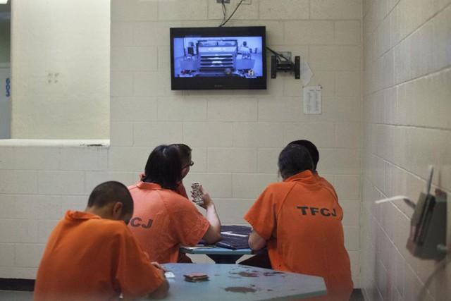 Khám phá: Chơi game ở trong tù sẽ như thế nào? - Ảnh 1.