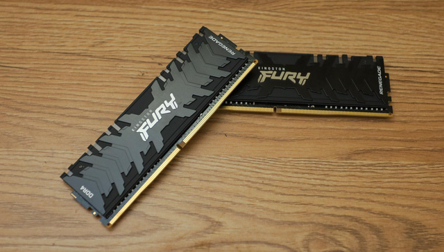 On hand, the monster RAM pair Kingston Fury Renegade RGB 4600, is in the top of the world - Photo 2.