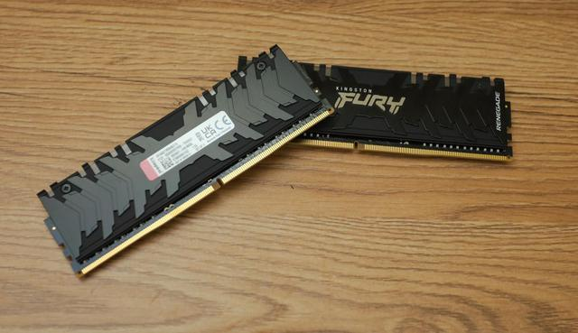 On hand, the monster RAM pair Kingston Fury Renegade RGB 4600, is in the top of the world - Photo 3.