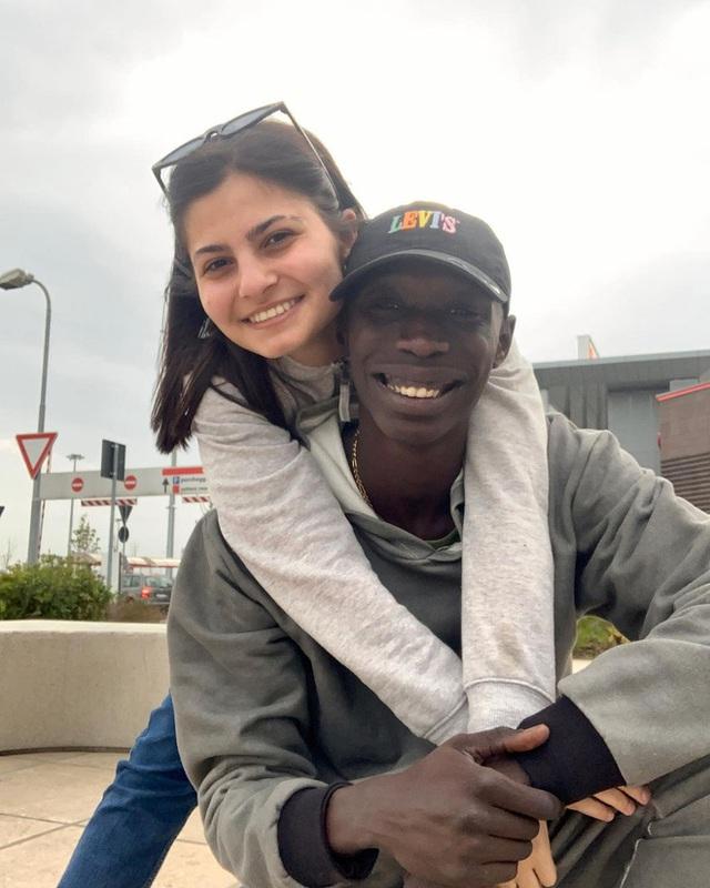 Khaby Lame: Hành trình từ một công nhân tại Ý trở thành Anh da đen triệu view TikTok toàn cầu - Ảnh 7.