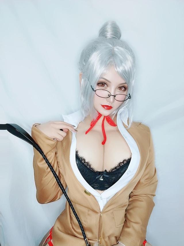 Ngắm nàng giáo viên ngực khủng trong Prison School, nhiều fan ước mong được trở thành nạn nhân của cô giáo - Ảnh 1.