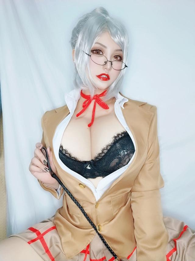Ngắm nàng giáo viên ngực khủng trong Prison School, nhiều fan ước mong được trở thành nạn nhân của cô giáo - Ảnh 4.