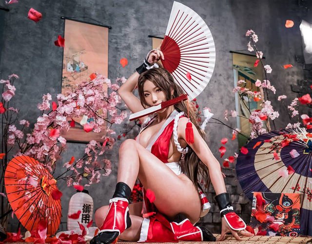 Mai Shiranui and cosplay scenes make male gamers excited - Photo 3.