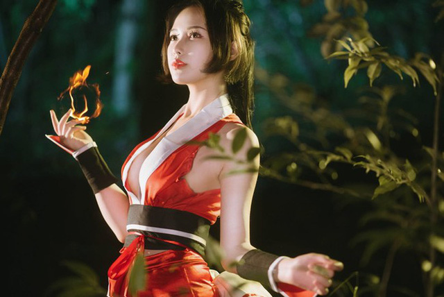 Mai Shiranui and cosplay scenes make male gamers excited - Photo 11.