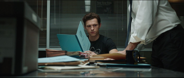 Spider-Man: No Way Home tung trailer mới, hội ác nhân đa vũ trụ tụ họp khiến Nhện nhọ khốn đốn - Ảnh 4.