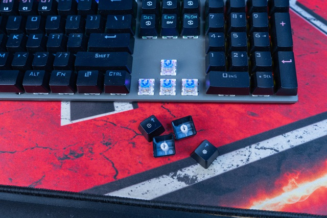 In the hands of a pair of brand new gaming mouse keys from Galax: Cool appearance, good performance for mass demand - Photo 6.