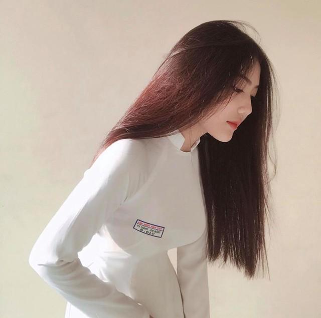 Triệu Vy gây bão MXH với những bức hình diện áo dài trắng Photo-1-1630061573861854895731